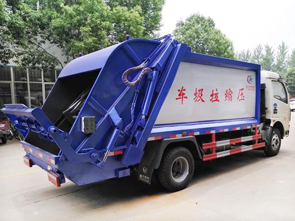 8吨多利卡压缩式垃圾车