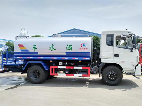 新款10方洒水车 东风专底CLW5165GPST5型绿化喷洒车