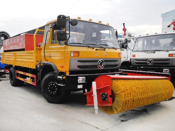 东风除雪车 LM-XC-3500雪铲/滚扫互换 3.5米推雪铲 汽车除雪设备