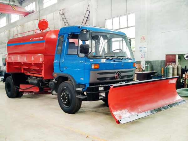 出口款除雪车 洒水罐互换除雪车